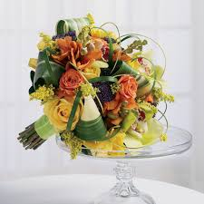 choosing the best flowers for a fall wedding julias events