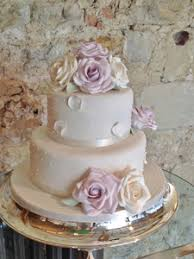 lilac and ivory wedding cake by penn wedding cakes