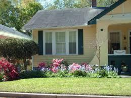 small house with garden home design