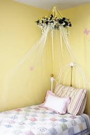 Tall Canopy Bed by Amazing Design Of The Princess Canopy Bed With White Silk Curtain