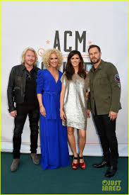dierks bentley family blake shelton miranda lambert u0026 alicia keys celebrate acm honors