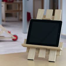 homemade ipad stand combines pencils and rubberbands macworld homemade ipad stand combines pencils and rubberbands macworld teaching pinterest ipad and gadget