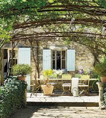 napsütés és csupa romantika egy álomszép provence i otthonban