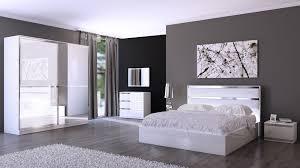 chambre à coucher blanche cuisine chambre adulte design blanche et grise rudie chambre adulte