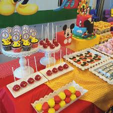 mickey mouse table l mickey mouse clubhouse cake desserts crissa s cake corner