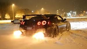 nissan gtr jeremy clarkson flame spitting nissan gt r makes pretty light work of snow