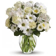 white bouquet white bouquet in a vase an bouquet of white roses