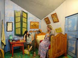newly domesticated grounds for sculpture or art geek paradise van gogh s bedroom it reminded me of blues clues