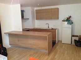 facade cuisine bois brut cuisine façade chêne brut et plan de travail en chêne brut avec