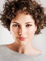 short cuely hairstyles best 25 short curly hairstyles ideas on pinterest easy curly