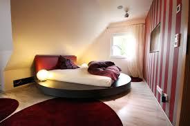 Schlafzimmer Wandgestaltung Beispiele Ideen Kleines Wandgestaltung Dachschruge Wandfarbe Fr Dachschrge