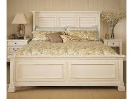 folio 21 stoney creek queen bed with shutter headboard and panel