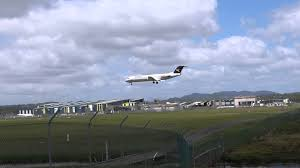 alliance airlines fokker 100 touch and go gold coast airport
