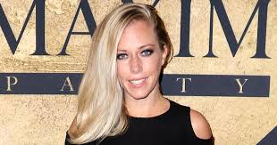 kendra wedding ring kendra wilkinson ditches wedding ring amid divorce reports my