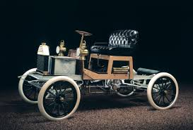 first car ever made with engine 1899 model car mixte hybrid lohner porsche elektromobil 1800s