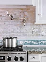 cottage kitchen backsplash ideas best 25 coastal kitchens ideas on kitchens