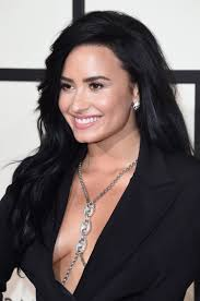 demi lovato hair extensions this is exactly how demi lovato s hairstylist is going to take out
