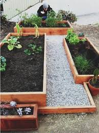 Backyard Planter Box Ideas by Best 25 Stone Raised Beds Ideas On Pinterest Potager Garden