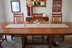 roonie ranching christmas burlap table runner