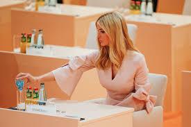 Recent Pics Of Vanity Vanity Fair Entertainment Politics And Fashion News