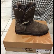 ugg s meadow boots 70 ugg shoes ugg meadow size 7 nwt boot in chocolate from