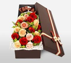 roses in a box roses in a box send mixed colours roses arrangement order