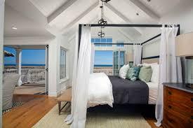 ocean view provides inspiration for balboa peninsula home u0027s decor