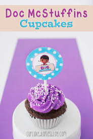 doc mcstuffins cupcake toppers doc mcstuffins cupcakes and giveaway cupcake diaries