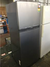 samsung cool tech fridge freezer sr385nts 385l appears to