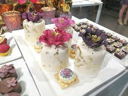 bold floral and floral cake ideas from the wedluxe show 2015