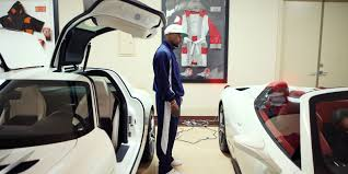 floyd mayweather white cars collection boxer floyd mayweather buys 100 cars from one dealer