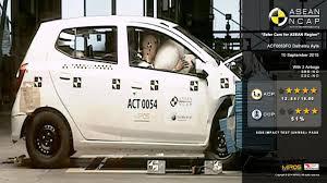 daihatsu ayla airbag crash test autonetmagz
