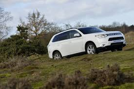 mitsubishi outlander off road consumer reports not really thrilled about new mitsubishi outlander