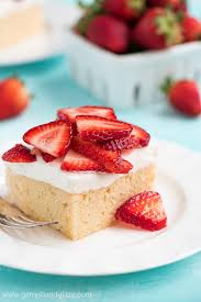 strawberry topped tres leches cake garnish u0026 glaze