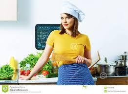 femme en cuisine chef de femme en portrait de cuisine photo stock image du