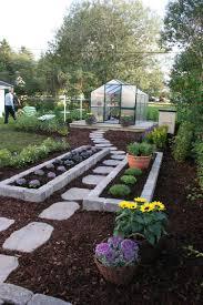 plaque ardoise jardin allée jardin en gravier ardoise et bois u2013créer une allée piétonne