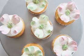 cupcake flavours for baby shower dogwood bridal shower cupcakes