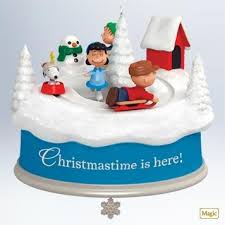 qxi2917 christmastime is here the peanuts