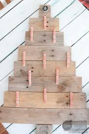 christmas holder remodelaholic diy pallet wood christmas tree photo card holder