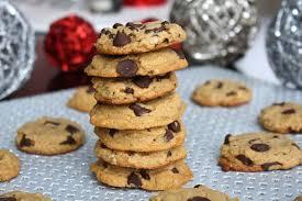 the best vegan chocolate chip cookies and raw vegan fruit cake