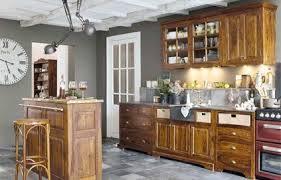 quelle couleur avec des meubles rustiques dans une cuisine