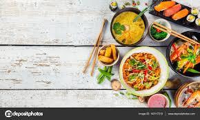 jeux de cuisine chinoise cuisine asiatique servi sur table en bois vue de dessus espace
