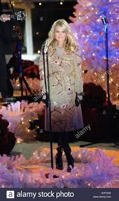 singer carrie underwood does a secret pretaping on the ice at