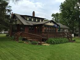 a beautiful craftsman bungalow in the homeaway new buffalo