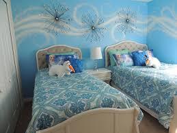 pardise on ice paradise palms townhome walt disney frozen themed twin bedroom 1