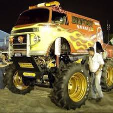 bus monster truck videos volkswagen kombi monster truck escarabajos pinterest monster