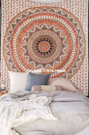 Wall Tapestry Bedroom Ideas Best 25 Hippie Bedding Ideas On Pinterest Hippie Room Decor