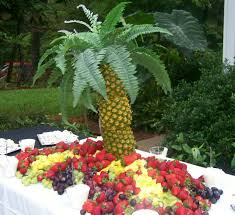 palm tree made with pineapples what a great centerpiece for a