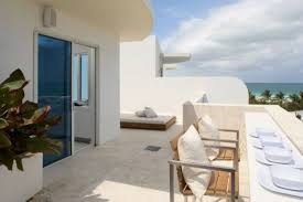 Minimalist Beach House Design by Sophisticated Miami Beach Town House With Minimalist Interior By