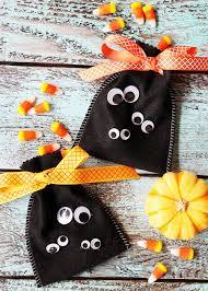 Halloween Goodie Bags 20 Cute U0026 Easy Diy Halloween Treat Bags And Boxes It U0027s Always Autumn